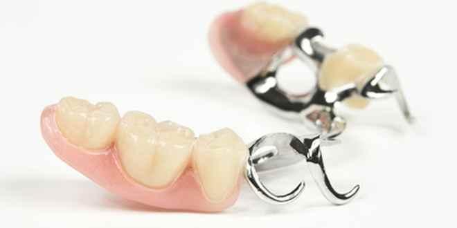Zahnprothese nachts herausnehmen