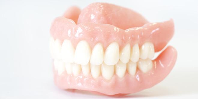 zahnprothese reinigen mit essig