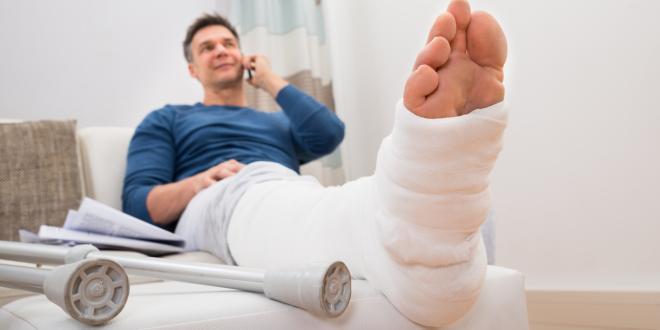 Gips gebrochen beide beine Beinbruch