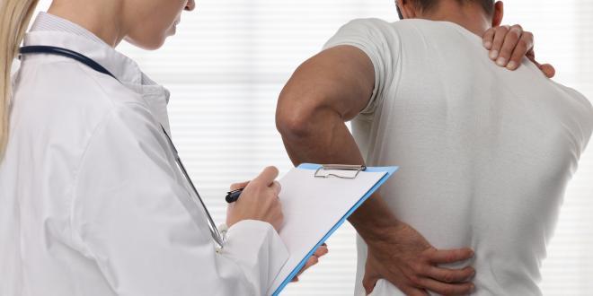 Gewichtsverlust und Schmerzen im rechten Rücken
